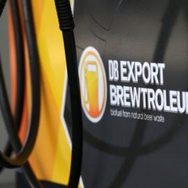 Cerveja no tanque do carro?